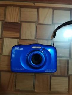 Camara Nikon S33