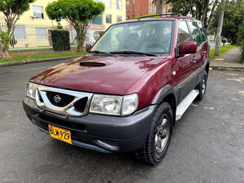 Nissan Terrano 2 Mt2400cc Plata Rojo Carmin Aa Dh 4x4