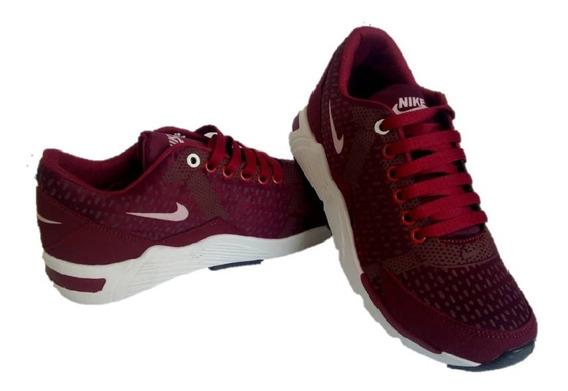 Botas Deportivas Caballero Nike 250