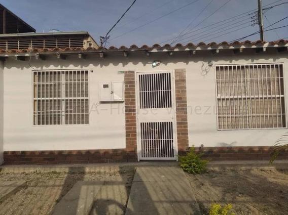 Casas En Venta El Paraiso Cabudare 20-8146 Rg