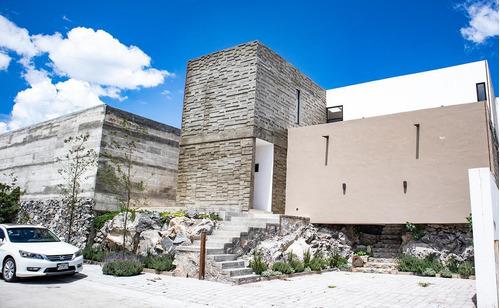 Casa En Venta En Real De Juriquilla, Querétaro