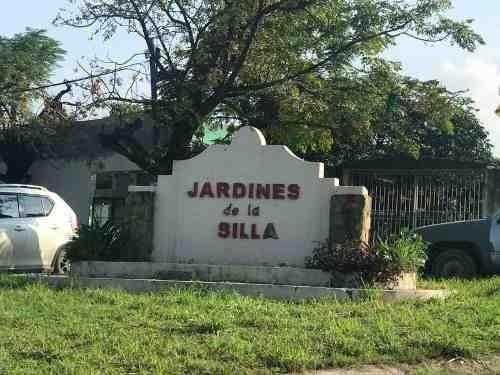 Quinta En Venta Col. Jardines De La Silla, Benito Juarez, N.l.