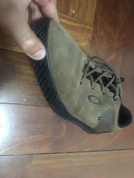 Sapato Oakley Camurça Marrom Usado
