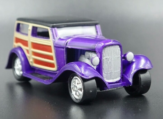 1932 Ford Woody Speedwagon Dan Fink´s Johnny Lightning 1/64