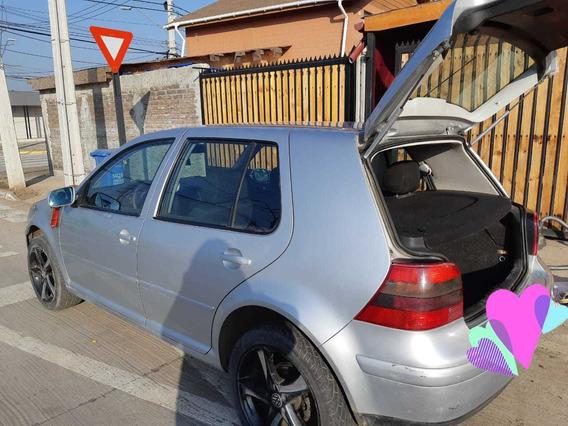 Vendo Volkswagen Golf 2002 2.0, Bencina, $2.500.000