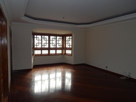 Casa Assobradada Com,262 M² De Área Const. E Terreno 317 M².