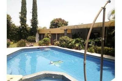 Casa En Una Sola Planta En Hacienda Tetela. Cuernavaca.morelos