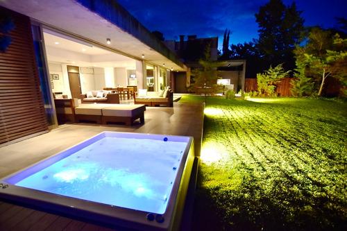 Imagen 1 de 14 de Dueño - Casa De Diseño En Inmejorable Ubicación
