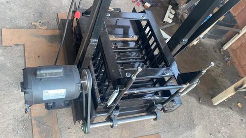 Máquina Fabricacao De Blocos E Canaletas De Concreto