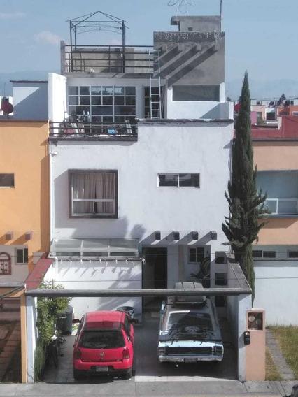 Casa 4 Pisos En Fraccionamiento Privado, Toluca