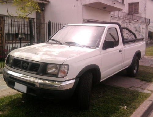 Nissan D22 Cs Motor 2.7d 4x2 Caja Larga Color Blanco 2000