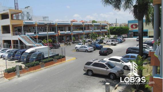 Locales Comerciales En Plaza Hollywood Carretera Mella Santo
