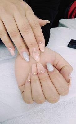 Servicio De Manicure Y Uñas Acrilicas