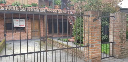 Casa 6 Ambientes - 2 Cuartos-2 Baños Acepto Permuta M. Valor