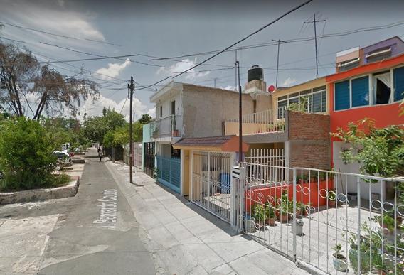 Casa En J.bernardo Couto, El Zalate , Guadalajara Jal.