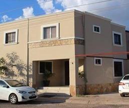 Amplia Residencia En Villa Bonita
