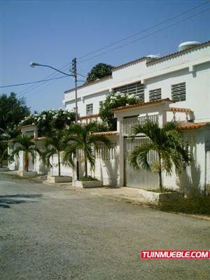 Casa En Venta En Miranda - Costa Mirandina