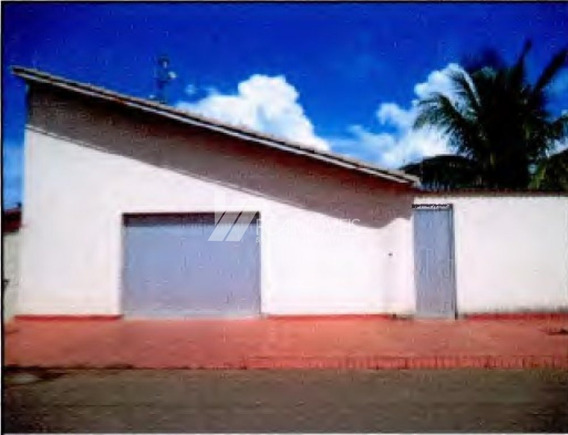 Rua Valdivina Maria Rodrigues, Centro, Lagoa Grande - 443789
