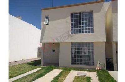 Casa Renta Amueblada Para Ejecutivos En Privada Con Seguridad, Por El Seminario Mayor, San Lucas Oriente,de 2 Habitaciones,