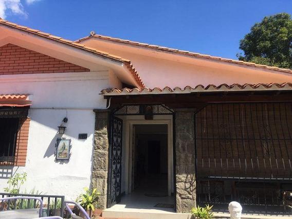 Casa En Venta Altamira Mls #20-274