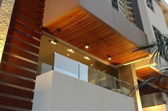 Casa Moderna En Alquiler Wch