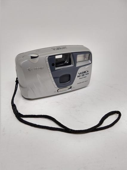 Câmera Fotográfica Yashica Antiga Conservada