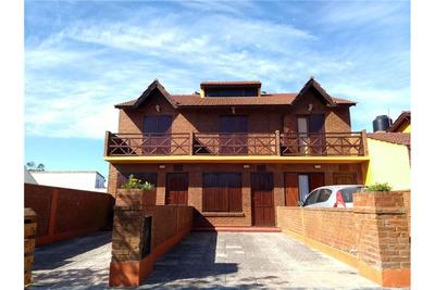 Venta 3 Duplex De 3 Amb Con Cochera Y Patio.