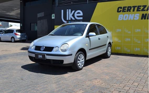 Volkswagen Polo Sedan 2003