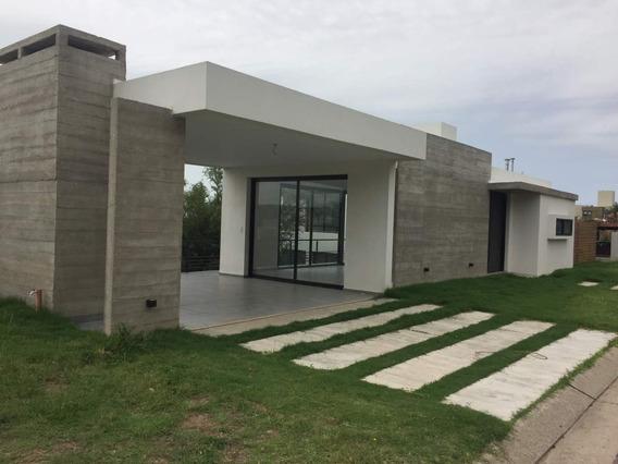 Casa En Venta - Barrio Privado Las Cañitas