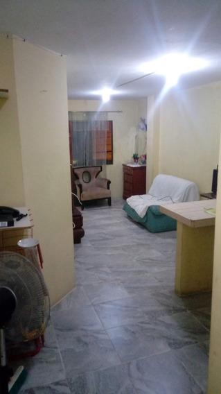 Alquilo Habitacion , Una Cama Y Serv Basicos 130 Dolares