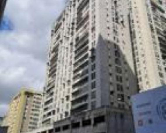 Ls Vende Apartamento La Candelaria 20-20063