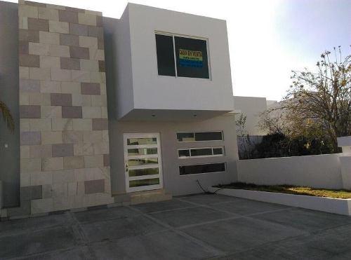 Preciosa Casa En Venta En El Frccionmiento Mirador Qro Mex