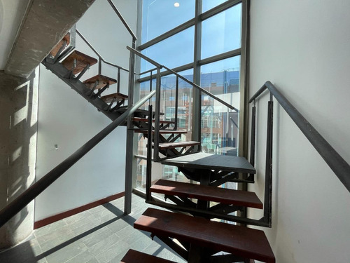 Imagen 1 de 20 de Modernas Oficinas