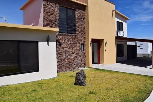 Casa En Renta En Zibata, El Marques, Rah-mx-20-2315