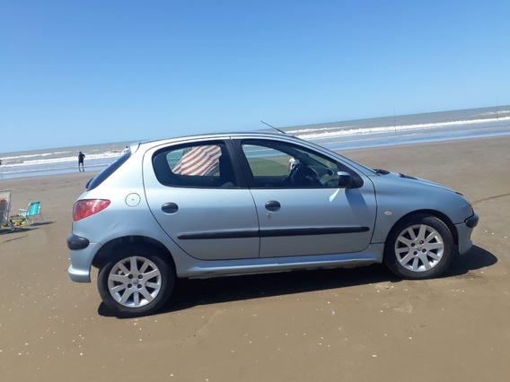 Peugeot . 206. 1.9 . 2004