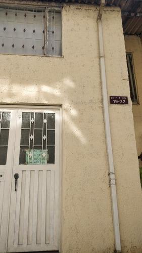 Casa De 3 Pisos  Con 5 Habitaciones 2 Baños Tiene 90 Metros