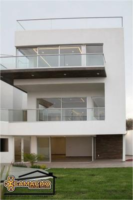 Casa En Venta, Colonia López Mateos, 4 Recámaras. Odc-0181