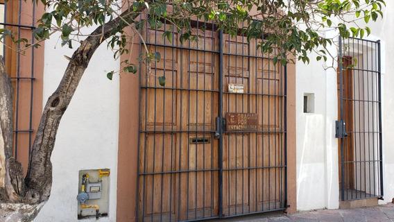 Casa, 3 Recamaras, En El Cetro Historico De Queretaro