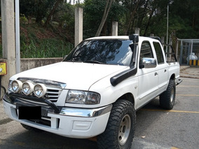Mazda B2600 Sincronica 4x4 Pickup Doble Cabina
