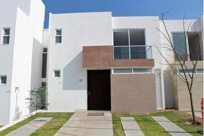 Casa En Venta En Altos De Juriquilla, Queretaro, Rah-mx-18-856