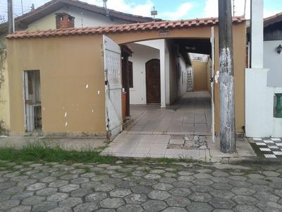 Casa Em Itanhaém , 250m Da Praia, Á 5 Minutos Do Centro.