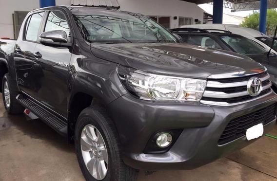 Vendo Camioneta Toyota Hilux 4x4 Srv 2017