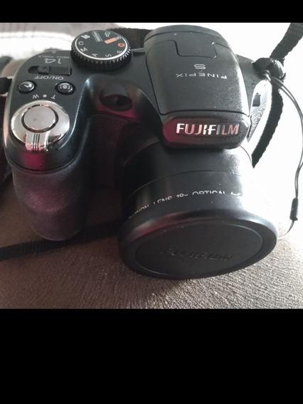 Máquina Fotográfica Semi Profissional-super Conservada