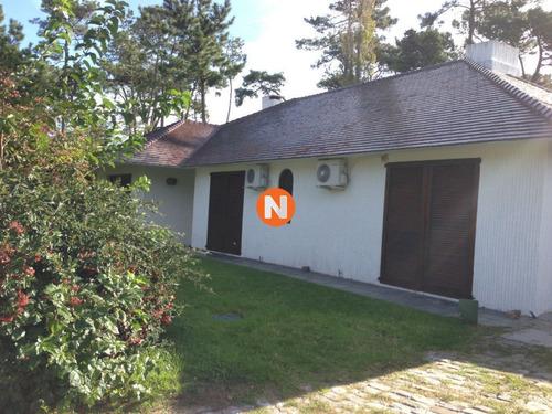 Casa En Venta, Bo. Cordoba, Maldonado, 4 Dormitorios.- Ref: 208520