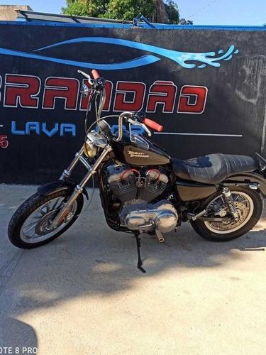 Harley Davidson 883 Standard