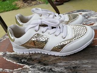 Tenis Guess 23.5 Mx Blancos Con Dorado Sneakers
