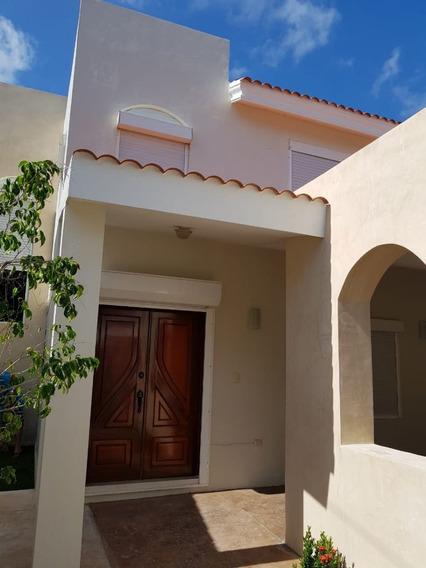 Hermosa Residencia En Montecristo