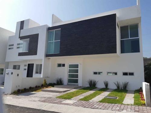 Se Vende Preciosa Casa En Punta Esmeralda, 3 Recámaras, 3.5 Baños, Roof Garden