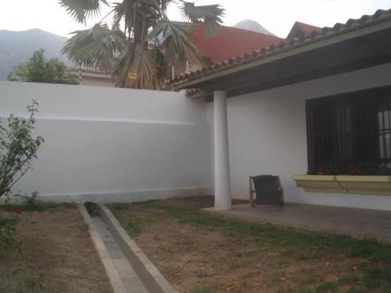 Casa En Venta En El Castaño Privado. Codflex 20-5444. Mcm