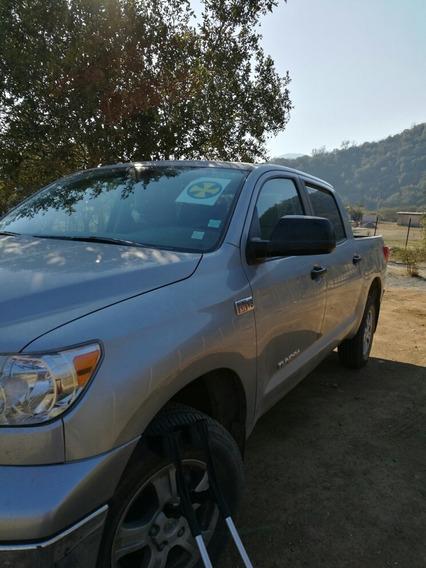 Toyota Tundra 4x4 V8